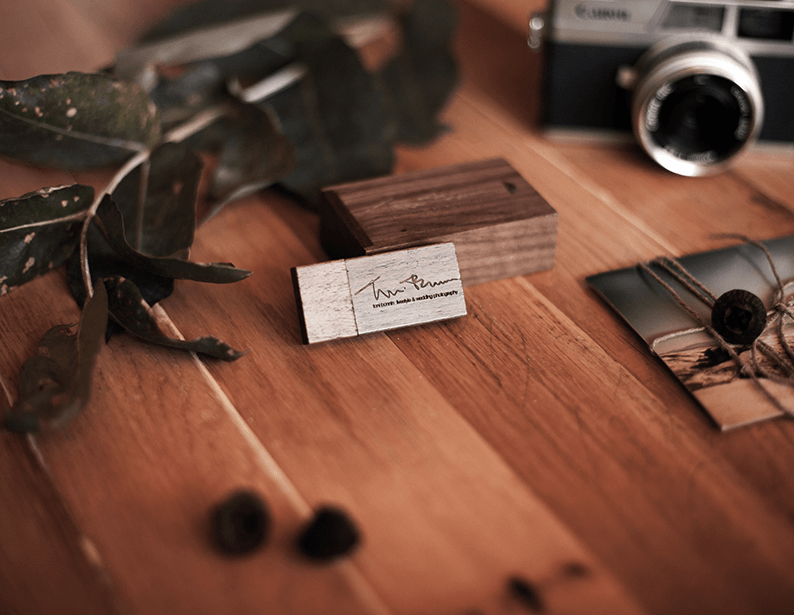 Pendrive madera oscura